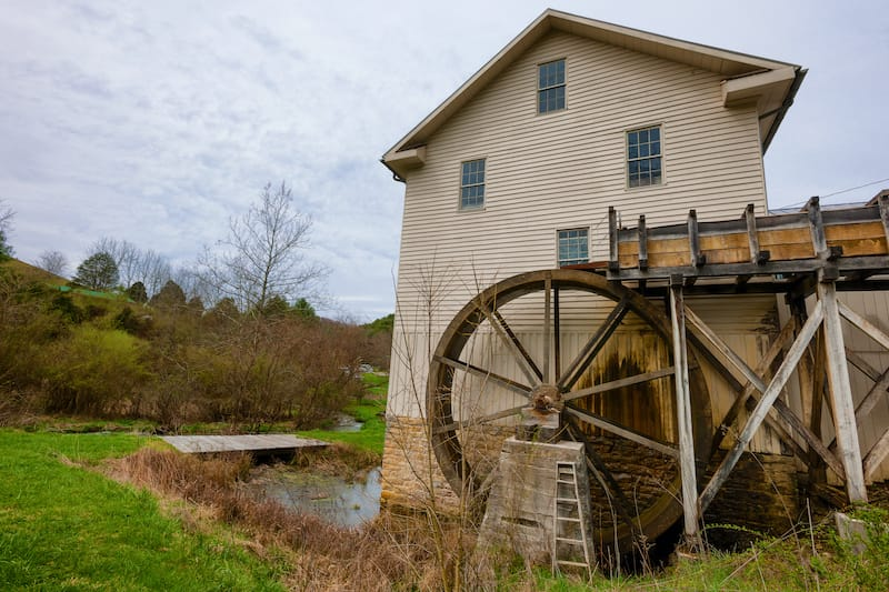 The White Mill is the last of it's kind in Wahington County, Virginia. According to a sign inside the building it was built in 1790 and restored in 1866.