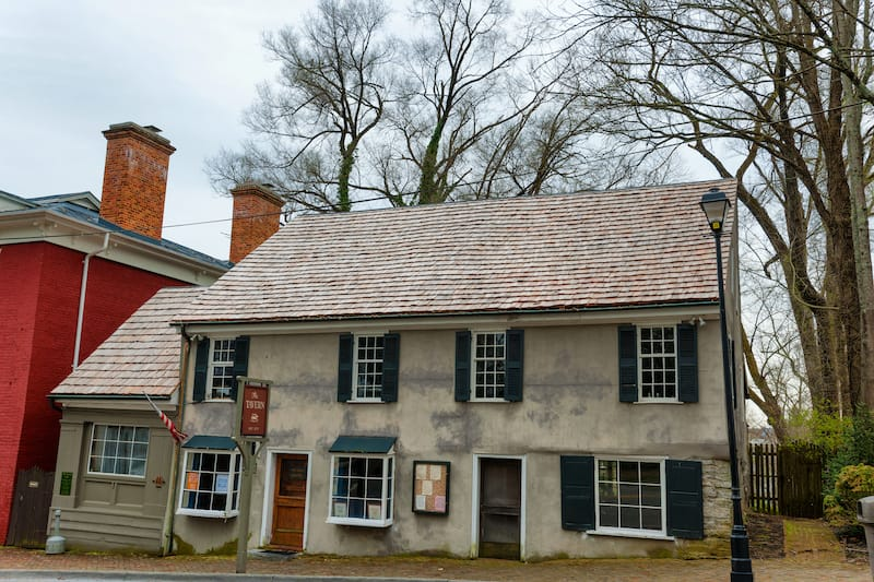 The historical Tavern built in 1779 in Abingdon, Virginia, now a popular resturant and bar for locals and tourists