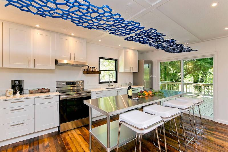 Welcome to Skyhouse! A Modern Riverfront Retreat