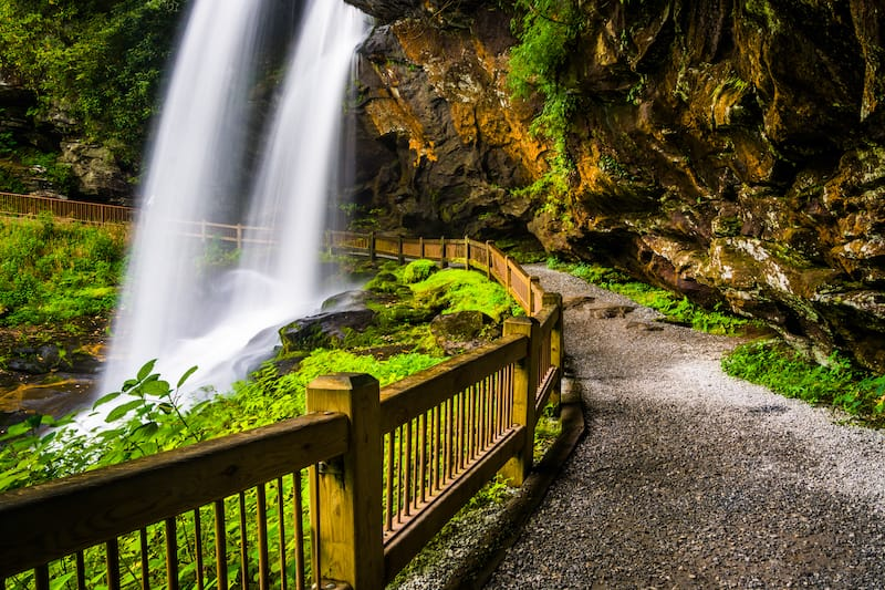 Best waterfalls near Asheville NC
