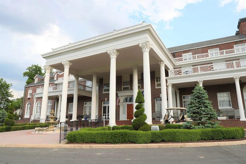 Historic Mimslyn Inn