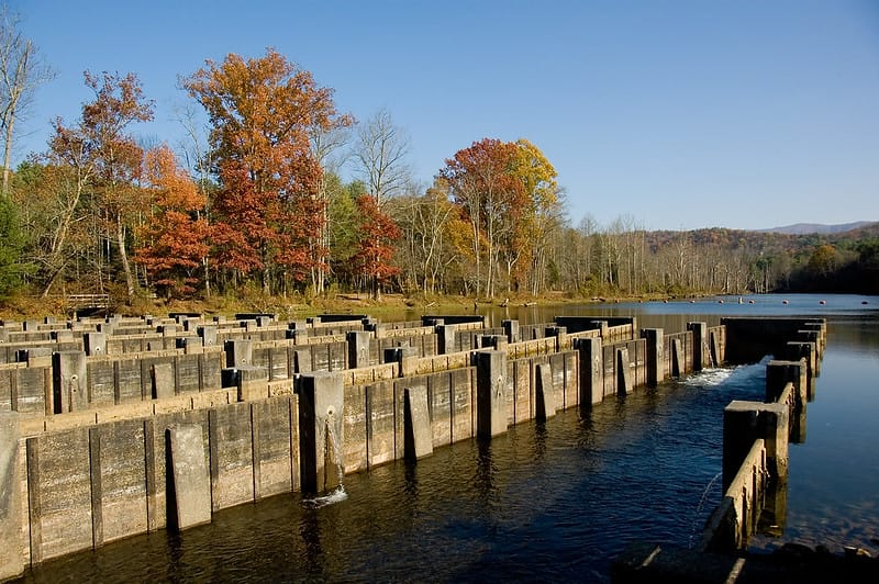 Weir Dam in Bristol via James Nelson (CC BY-NC-ND 2.0 Flickr)