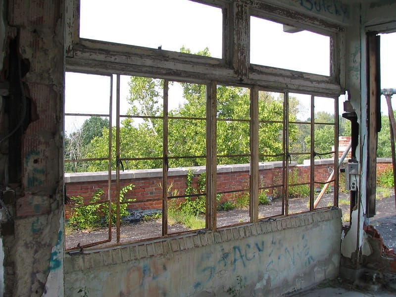 Waverly Hills Sanatorium via Aaron Vowels (Flickr CC BY 2.0)